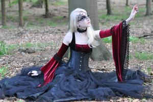 Maria Amanda - Medieval Gothic [Zip]a5mfv3v5rn.jpg