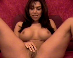 Mature horny babe playing with her pussy