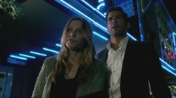 th_751029274_scnet_lucifer1x02_1733_122_