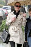 Nicky Hilton - Страница 2 Th_11011_celebrity-paradise.com-The_Elder-Nicky_Hilton_2010-01-22_-_shopping_in_Beverly_Hills_4137_122_815lo